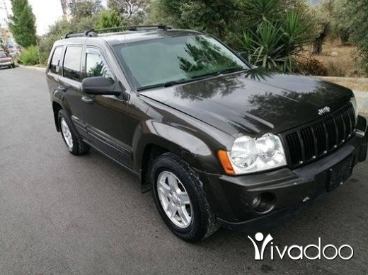 Jeep in Zgharta - Grand cherokee (laredo),mod 2005 phone 03 19 15 33
