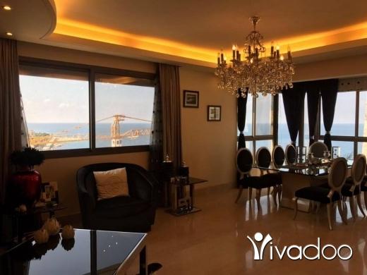 Apartments in Ain Mreisseh - شقة في عين المريسة للبيع