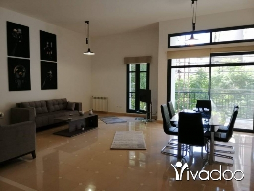 Apartments in Gemayzeh - A furnished 240 m2 apartment for sale in Gemayzeh in a community