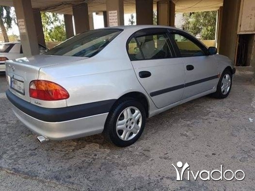 Toyota dans Dbayeh - Toyota Avensis 1998 in excellent condition.