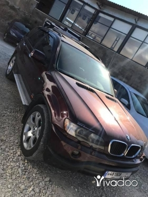BMW in Zgharta - x5 2001