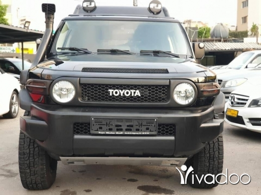 Toyota in Beirut City - 2011 FJ Cruiser / Fully loaded / Full Black