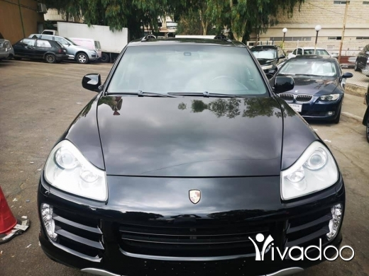 Porsche in Beirut City - Porsh cayenne v8