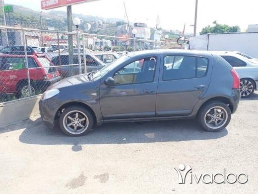 Renault in Abou Samra - رينو كتير نضيف موديل ٢٠١٠ لي بتهمو