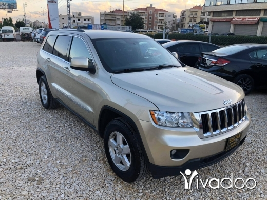 Jeep in Port of Beirut - Jeep Grand cherokee laredo 2011