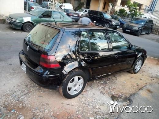 Volkswagen in Beirut City - جولف 4 اتوماتيك وفتحه مفوله