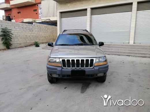 Jeep in Nabatyeh - Grand cherokee 2001