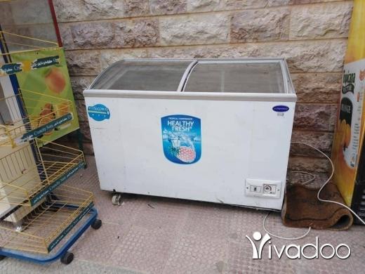 Freezers in Miryata - ٢ فريزه شغالين ١٠٠ ٪ مع واجهت خشب معمولي عل ايد وفيها إناره مخفيه
