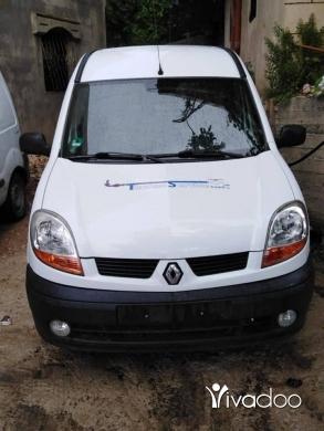 Renault in Menyeh - ربيد ٢٠٠٥ كتير نضيفي مابدا برغي للجادين فقط