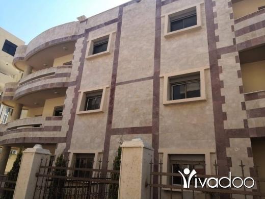 Apartments in Dahr el-Ain - شقة للايجار في منطقة الهيكلية مطل الازرق