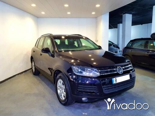 Volkswagen in Port of Beirut - tourag