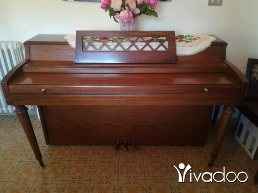 Musical Instruments & DJ Equipment in Furn Al Chebak - Beautiul American Cable-Nelson Piano for sale