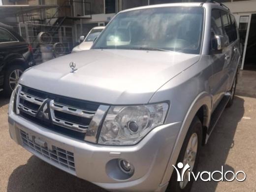 Mitsubishi in Port of Beirut - pajero