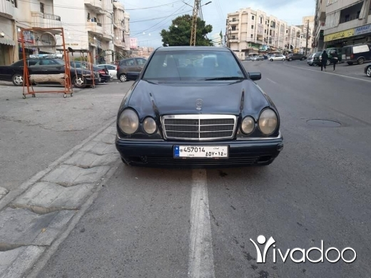 Mercedes-Benz in Saida - سيارة