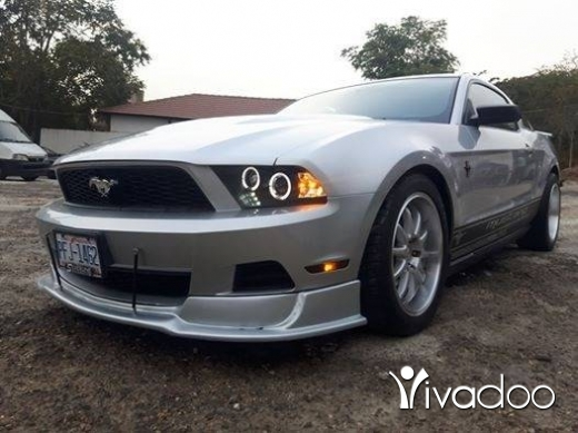 Ford dans Choueifat - Ford mustang 2010 like new low millage 21000 miles for info 03084610