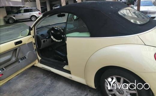 Volkswagen in Beirut City - Volkswagen Beetle Model 2004 - Convertible , Clean.