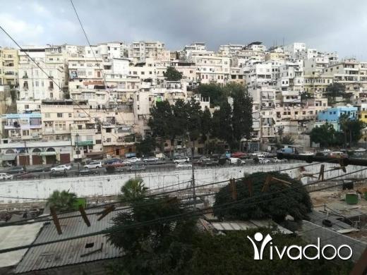 Apartments in Tripoli - شقة للبيع مع ارض داخلية طرابلس تحت القلعة