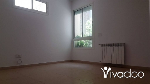 Appartements dans Mar Takla - 200 sqm Apartment for Sale with Mountain View in Mar Takla : L05525