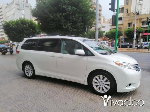 Toyota in Beirut City - TOYOTA SIENNA 2012 LIMITED LUXURY FULL OPTION SUPER CLEAN CAR