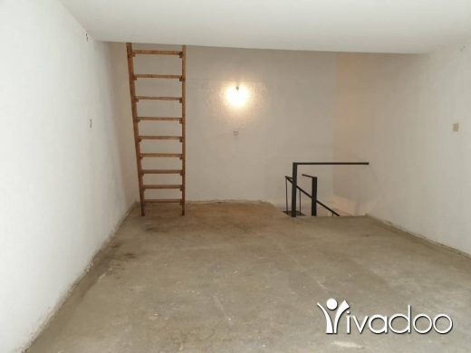 Shop in Achrafieh -  L04426  Shop For Rent in Gemmayze