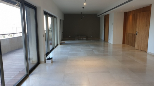 Apartments in Achrafieh - Apartment With a Charming Sea View For Sale