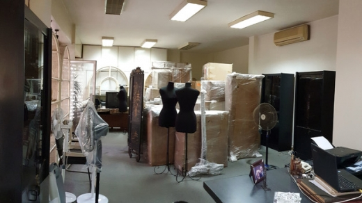 Shop in Achrafieh - L03823   Shop or Office for Rent in Achrafieh