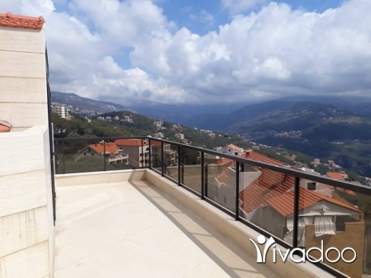 Apartments in Baabdat - Duplex For Sale With Splendid View in a Calm Area of Baabdat - L04404