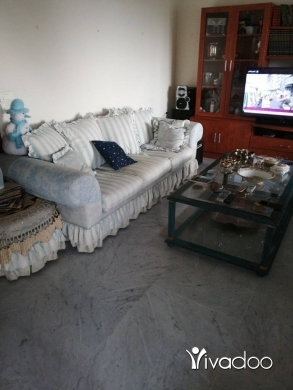 House Clearance in Beit el Chaar - Fauteuil 3 places + grande table + poof