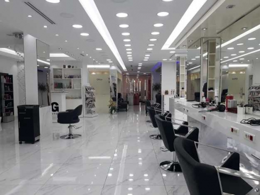 Shop in Zalka - L04248 A Spacious Showroom For Rent Located in Zalka Souks With A Large Display