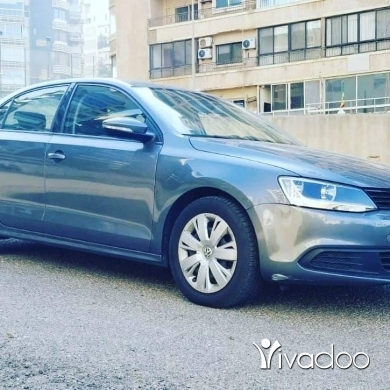 Volkswagen in Beirut City - 1 $ Golf jetta 2014 full automatic jdidi 78-873 497 40,000 km masdar sherke 1 owner ‎بيروت, بيروت