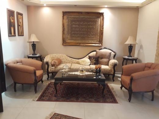 Sofas, Armchairs & Suites in Aramoun - كنباية و ٢ صغار للبيع