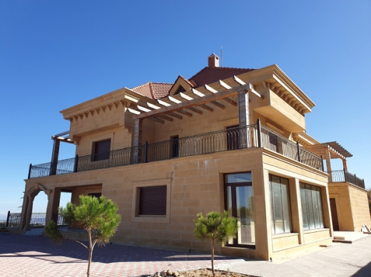 Villas in Bhamdoun - L05325 Luxurious Villa For Sale in Sharon - Bhamdoun 700m