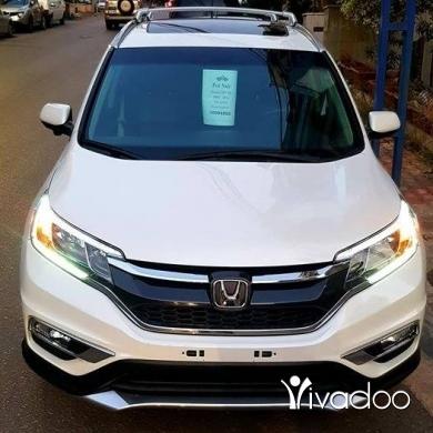 Honda dans Beyrouth - Abo Hassan Berro 19 min Honda crv 2015 ex White / black 4 wheel Sunroof Led xenon headlights Rear vi