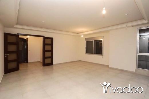 Apartments in Ras-Beyrouth - شقة للبيع في بيروت - العادلية