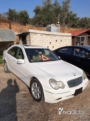 Mercedes-Benz in Zgharta - 4 700 $ Mercedes C 320 2001 full
