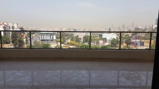 Apartments in Hazmieh - Apartment For Sale in Hazmieh 165 sqm