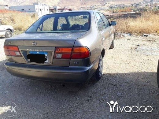 Nissan in Beirut City - 3 200 $ سيارة تيسان للبيع