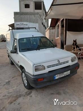 Renault in Zgharta - 1 400 $ ربيد ١.٤ موديل ٩٤