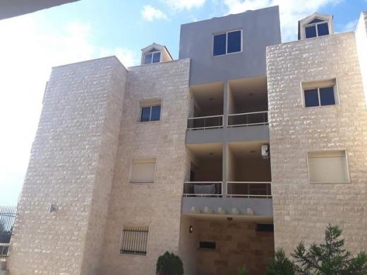 Apartments in Bouar - شقة جديدة مميزة في اطلالتها للبيع في منطقة البوار