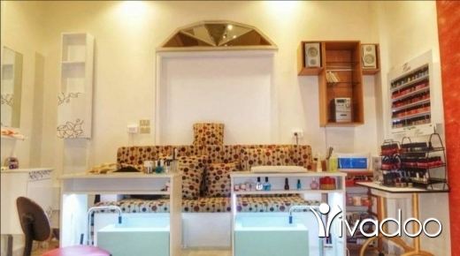 Health & Beauty in Al Zarif - Full manicure&pedicure installation