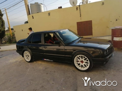BMW in Tripoli - bmw 325