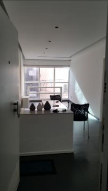 Office in Hamra - للإيجار شقة صغيرة تصلح سكن او مكتب او عيادة