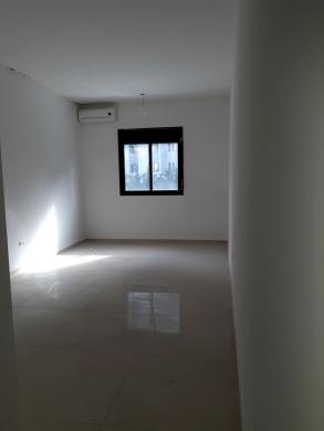 Office in Zalka - Brand New Office for rent in Zalka - SKY441