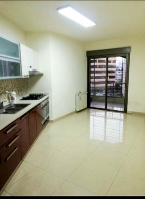 Apartments in Achrafieh - شقة للايجار بالأشرفية سيوفي 210 م