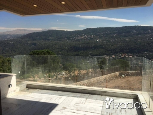 Villas in Baabdat - A 600 m2 villa with a garden and an open mountain view for sale in Baabdat