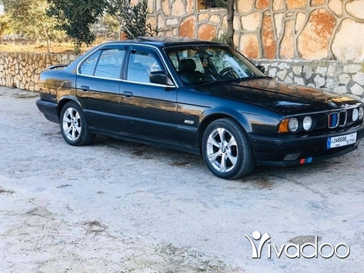 BMW in Port of Beirut - بي أم بومه ٥٢٥ انقاد ٩٠ ا