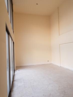 Villas in Sanayeh - دوبلكس للبيع 300م في الصنائع شارع سبيرز