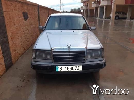Mercedes-Benz in Tripoli - للبيع سيارة مرسيدس 300موديل 92 دفتر ما عليها ميكانيك