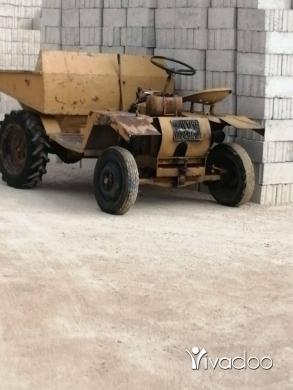 Trucks in Tripoli - دنبر للبيع 7،8موتار راس واحد دواليب شفر