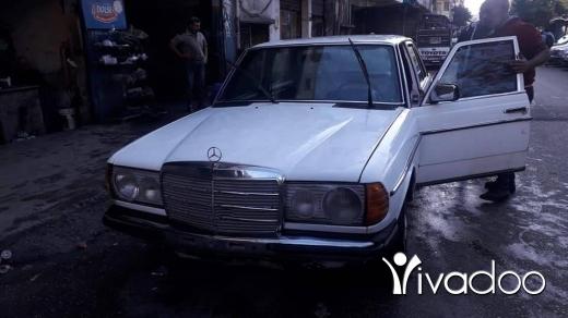 Mercedes-Benz in Tripoli - mercedes laf E200